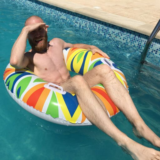 Picture of Marco Kellershoff a.k.a. Gorilla Moe floating in a pool.